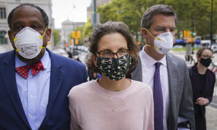 Clare Bronfman arrives at federal court in Brooklyn, New York, on Sept. 30, 2020. (John Minchillo/AP Photo)