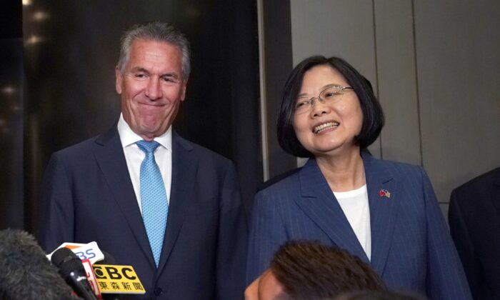 Taiwan's President Tsai Ing-wen (R) with NASDAQ president Michael Splinter in New York City on July 12, 2019. (TIMOTHY A. CLARY/AFP via Getty Images)