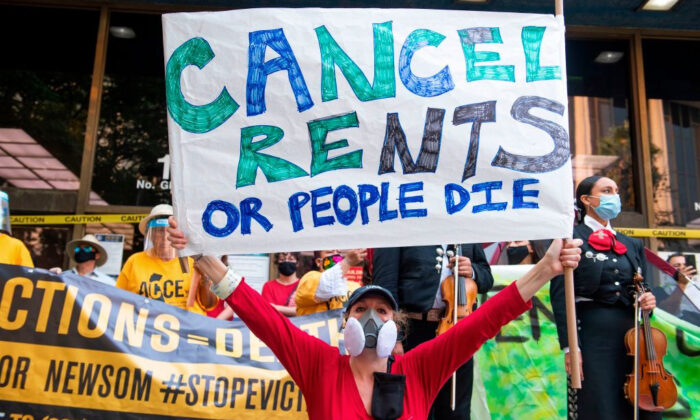 Renters and housing advocates attend a protest to cancel rent and avoid evictions in front of the courthouse amid the COVID-19 in Los Angeles, Calif., on Aug. 21, 2020. (Valerie Macon/AFP via Getty Images)