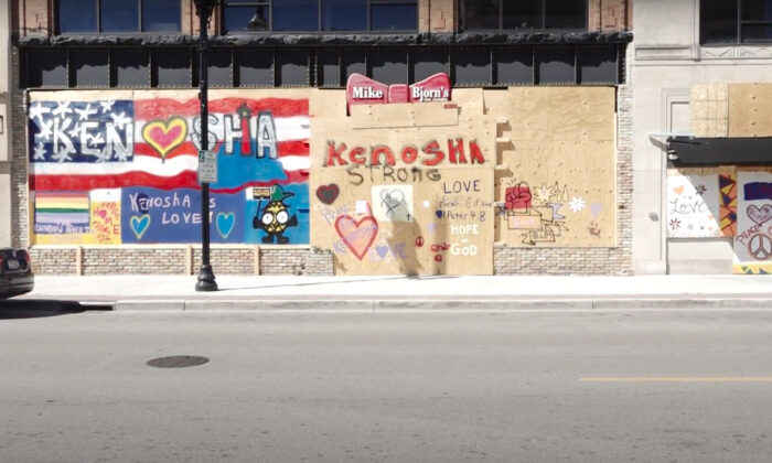 A boarded-up store in Kenosha, Wis., on Sept. 2, 2020. (Bowen Xiao/The Epoch Times.)