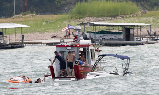 5 Boats Sink During Texas Parade for Trump, No Casualties: Sheriff
