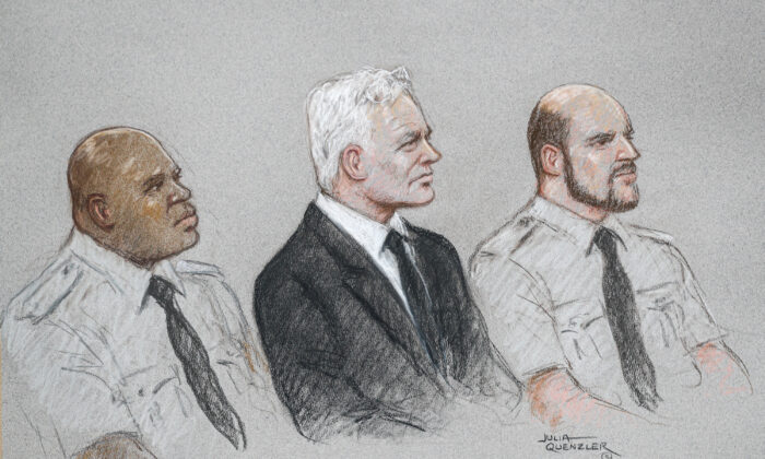 A courtroom sketch shows WikiLeaks founder Julian Assange during a hearing to decide whether he should be extradited to the United States, in London, Britain, on Sept. 7, 2020. (Julia Quenzler/Reuters)