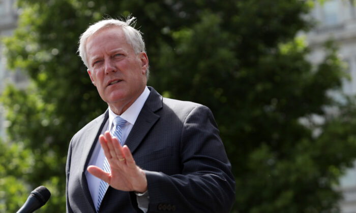 White House Chief of Staff Mark Meadows speaks to members of the press outside the West Wing of the White House in Washington on Aug. 28, 2020. (Alex Wong/Getty Images)