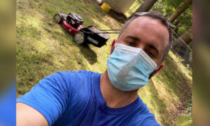 Man Starts Free Lawn-Mowing Service for Seniors After Losing His Job to COVID-19