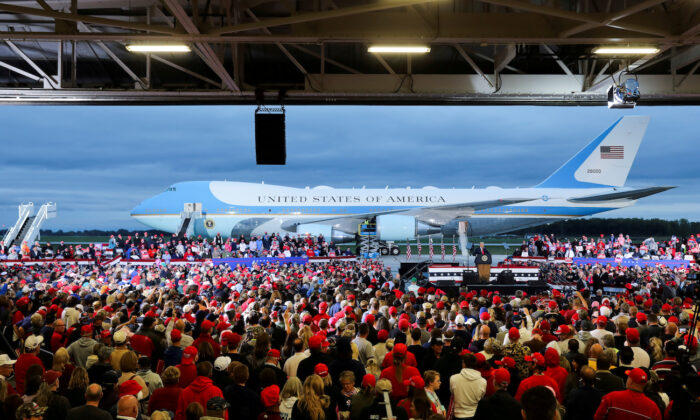 Air Force One is seen as President Donald Trump speaks during a campaign event at MBS International Airport, in Freeland, Michigan, on Sept. 10, 2020. (Jonathan Ernst/Reuters)