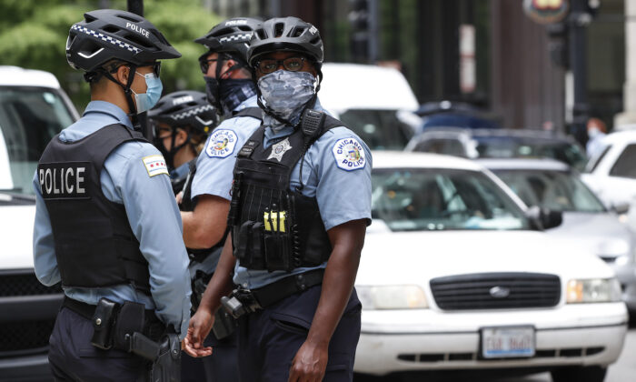 Chicago Police Officers in Chicago, Illinois, on Aug. 3, 2020. (Kamil Krzaczynski/AFP via Getty Images)