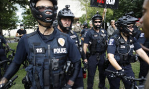 63 Percent of Rust Belt Voters Oppose Defunding the Police: Epoch Times Poll