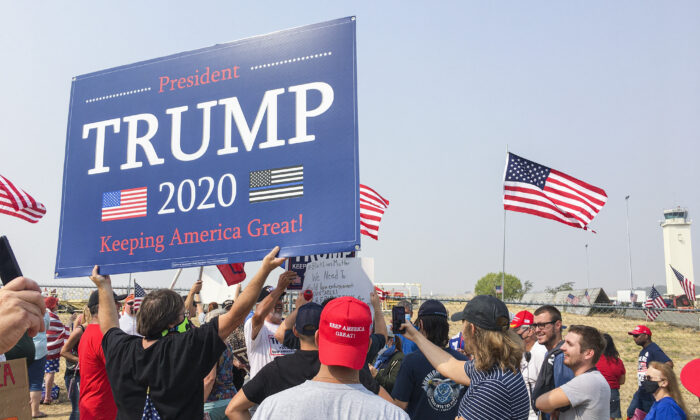 Trump supporters gather to greet the president at Sacramento McClellan Airport on Sept. 14, 2020. (Ilene Eng/The Epoch Times)