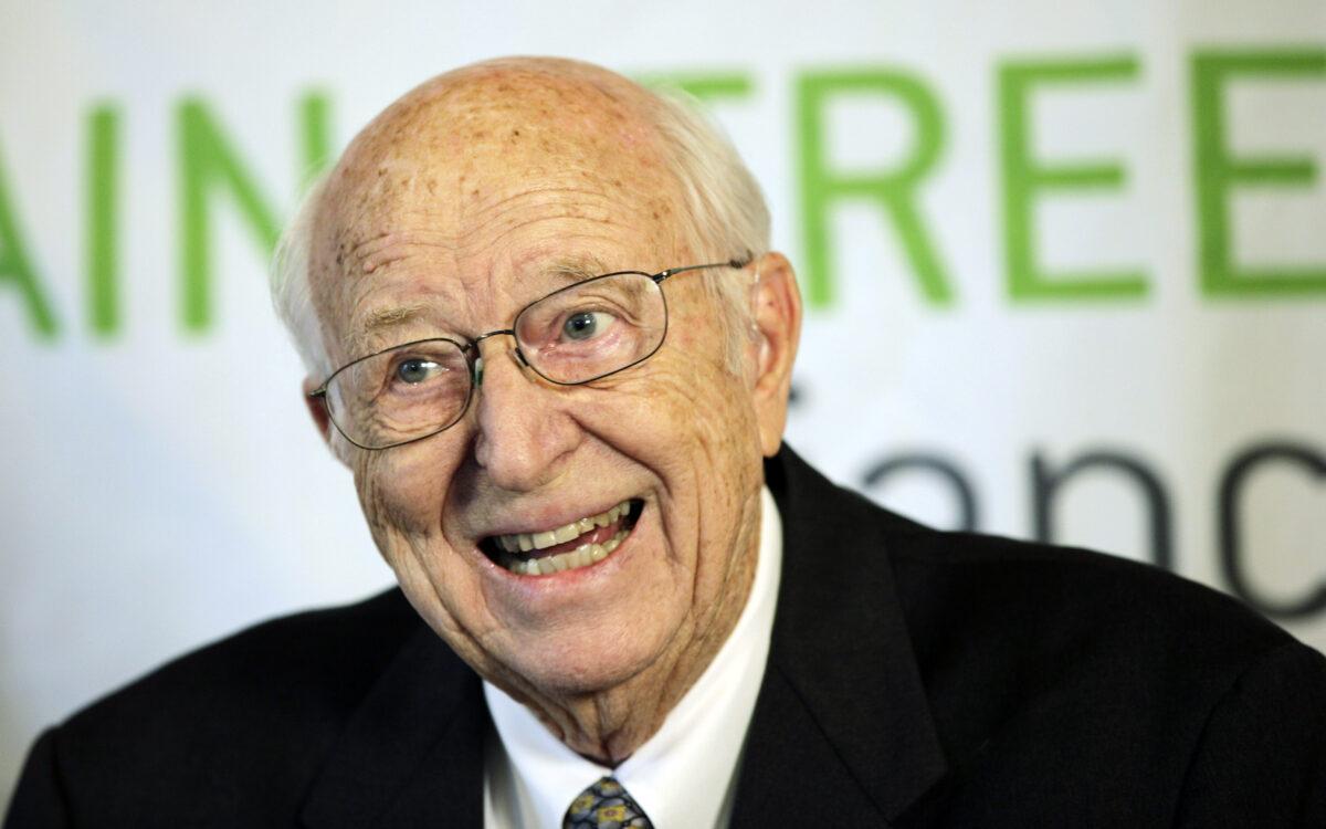 Bill Gates Sr., Father of Microsoft Co-Founder, Dies...