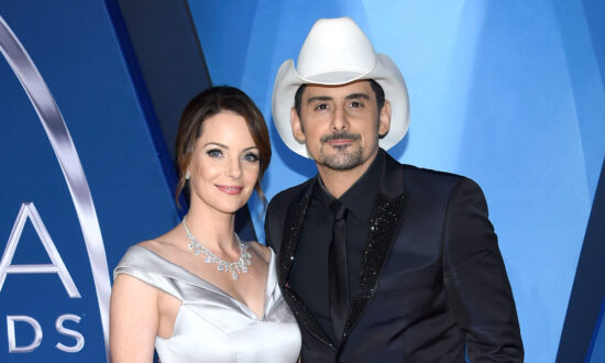 Brad Paisley, Wife Fight Hunger With 1 Million Meal Donation to Food Banks in 16 Cities