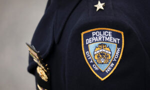 NYPD Cop With No Chance Beats COVID-19 After Almost 6 Months in Hospital: 'I Feel Blessed'