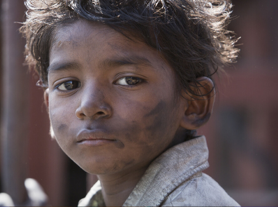 "homeless boy in ""Lion"""