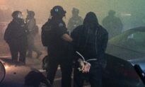 Rioters Assault Police Officers in Portland, 24 Arrested
