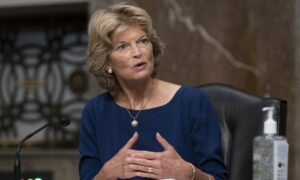 Sen. Murkowski Says She May Vote for Trump's Supreme Court Nominee