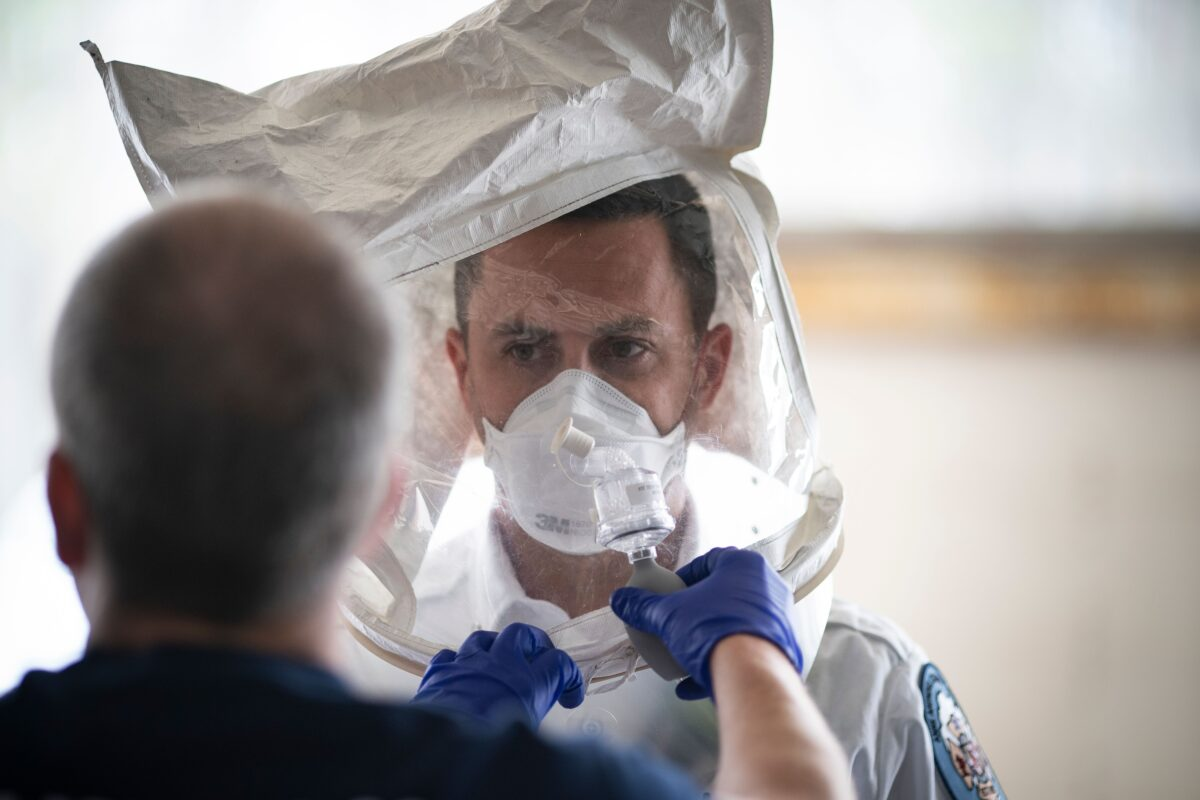 FILES-US-HEALTH-VIRUS-FIRSTRESPONDERS