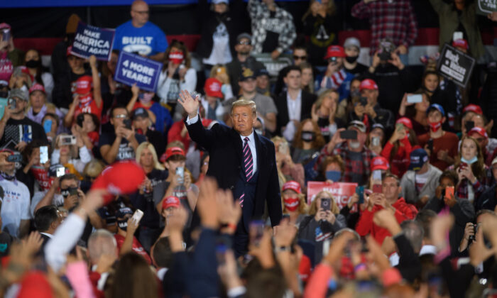 President Donald Trump speaks at a campaign rally at Atlantic Aviation in Moon Township, Penn., on Sept. 22, 2020. (Jeff Swensen/Getty Images)