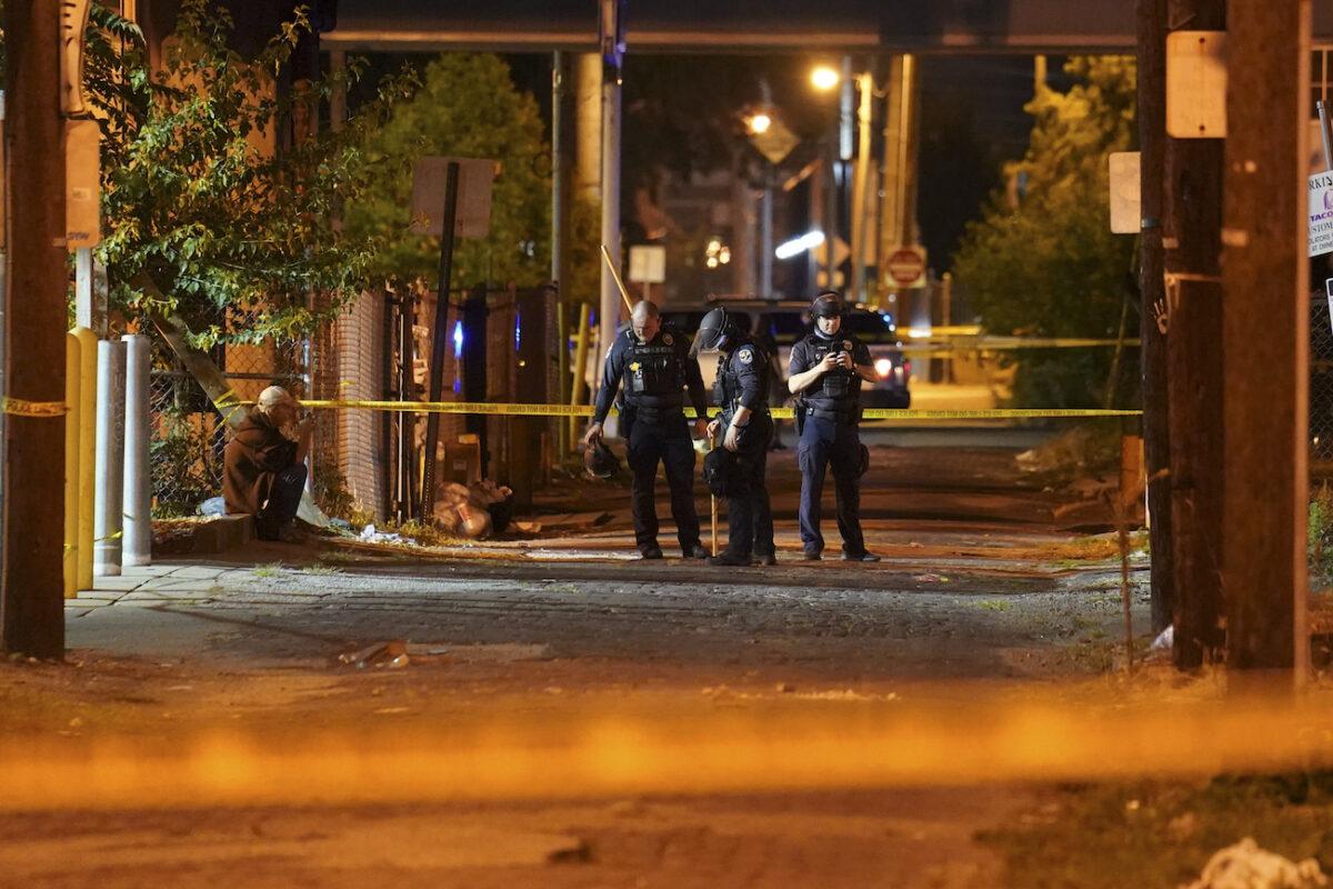 louisville officer shot