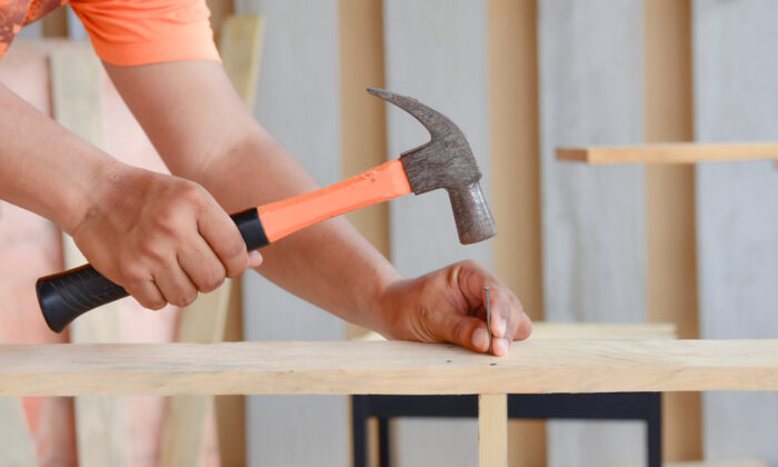 Since common nails are used for strength, selecting the proper size for a specific project is important. (Tum ZzzzZ/Shutterstock)