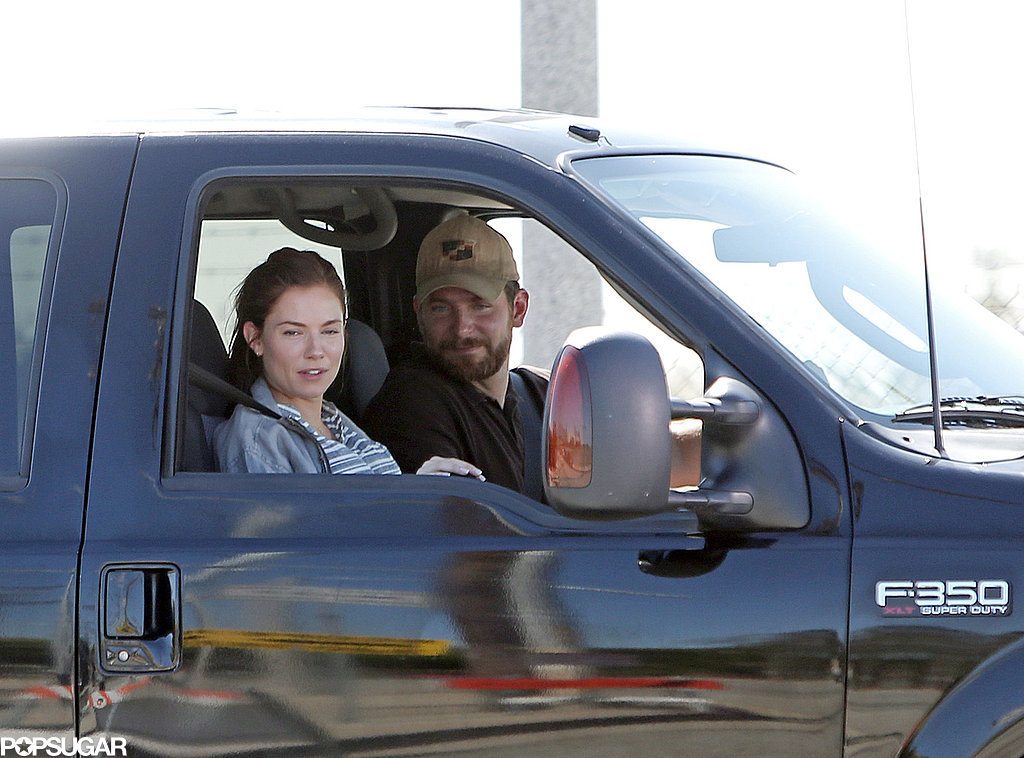 """man and woman in truck in """"American Sniper"""""""