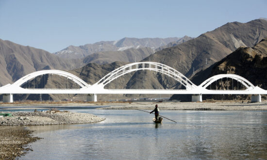 China Plans to 'Turn Xinjiang Into California' by Diverting Indian Rivers, Experts Say