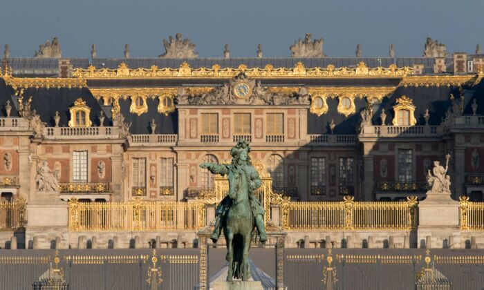 The palace started as a hunting lodge, became the royal residence, and then a museum from the 19th century onwards. It has 2,300 rooms. (Thomas Garnier/Château de Versailles)