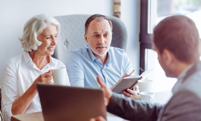 Many people are replanning their retirement living situation to ensure they have the social connection and support they need—even amid a pandemic. (YAKOBCHUK VIACHESLAV/Shutterstock)