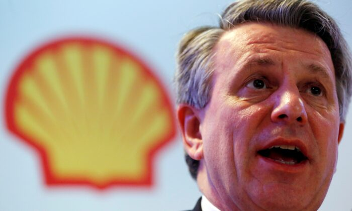 Ben van Beurden, chief executive officer of Royal Dutch Shell, speaks during a news conference in Rio de Janeiro, Brazil, on Feb. 15, 2016. (Sergio Moraes/Reuters)