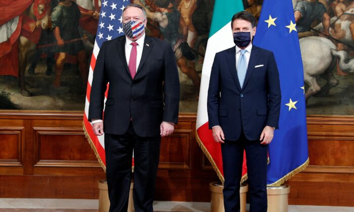 U.S. Secretary of State Mike Pompeo meets with Italy's Prime Minister Giuseppe Conte in Rome, Italy, on Sept. 30, 2020. (Guglielmo Mangiapane/Pool/Reuters)