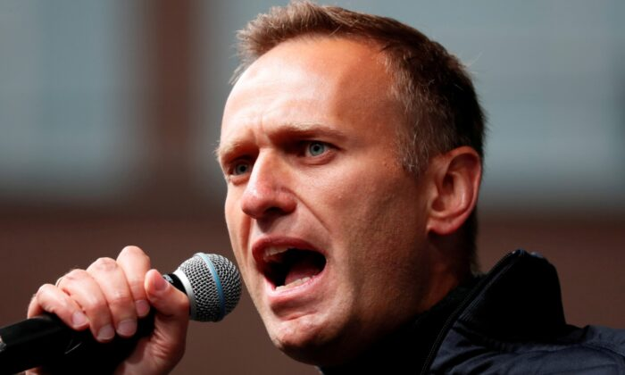 Russian opposition leader Alexei Navalny delivers a speech during a rally to demand the release of jailed protesters, who were detained during opposition demonstrations for fair elections, in Moscow, Russia, on Sept. 29, 2019. (File photo via Reuters)