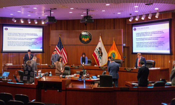 The Orange County Board of Supervisors prepares for its weekly meeting in Santa Ana, Calif. on Aug. 25, 2020. (John Fredricks/The Epoch Times)
