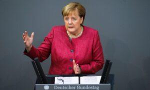 Germany's Merkel Considers Twitter Ban of Trump 'Problematic'
