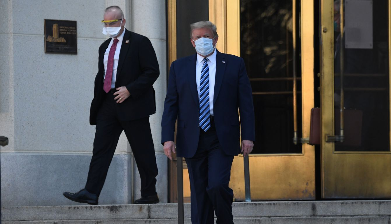 Trump walks out of Walter Reed