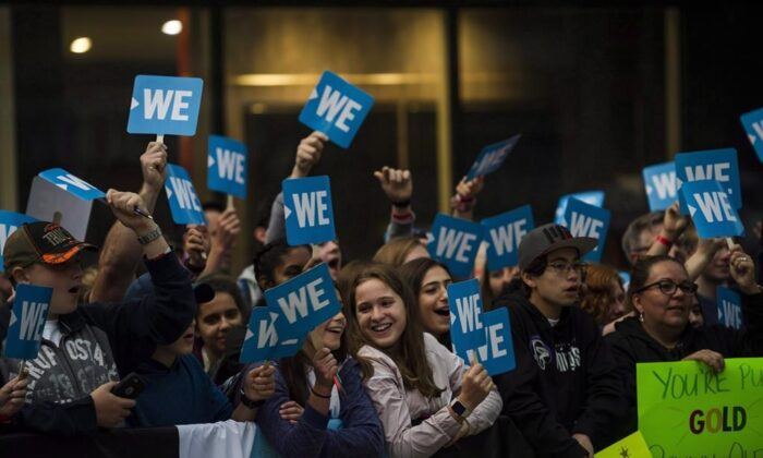 A crowd gathers before the WE Day red carpet in Toronto on  Sept. 20, 2018. (Christopher Katsarov/The Canadian Press)