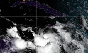 Major Hurricane Brews in Gulf of Mexico, Threatens Louisiana, Florida