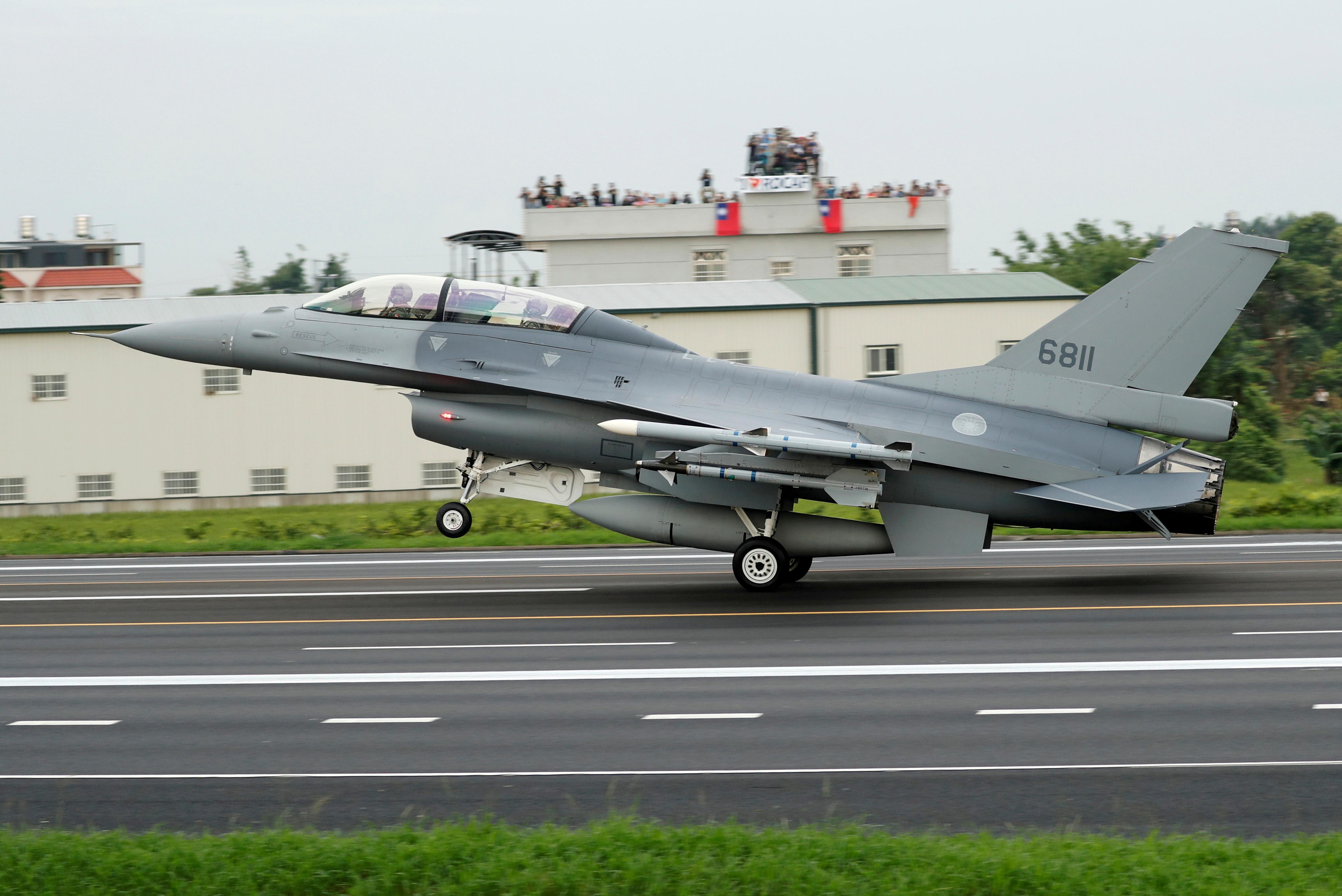 F-16V fighter jet lands on a highway