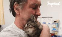 Reunited With a Lost Cat After 7 Years