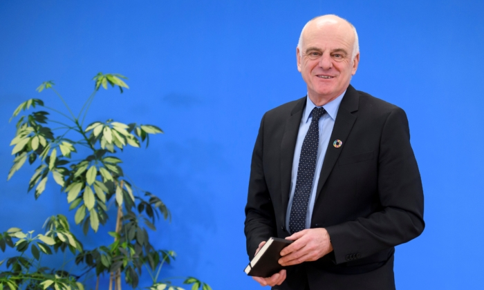 Candidate for the position of director-general of the World Health Organization David Nabarro gives a press conference in Geneva on Jan. 26, 2017. (Fabrice Coffrini/AFP via Getty Images)