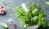 How to Treat Polycystic Ovary Syndrome (PCOS) With Diet