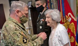 'Fearless' Veteran Army Nurse Turns 100, Shares Memories of World War II