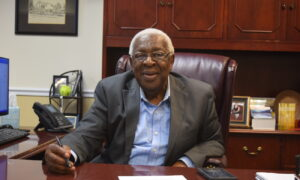 Tennessee Mayor Dies After 'Valiant Fight' Against COVID-19