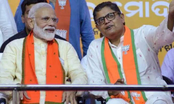 Baijayant Panda (R), vice president and spokesperson of India's ruling Bhartiya Janta Party, with Indian Prime Minister Narendra Modi.  (Courtesy of the office of Baijayant Panda)