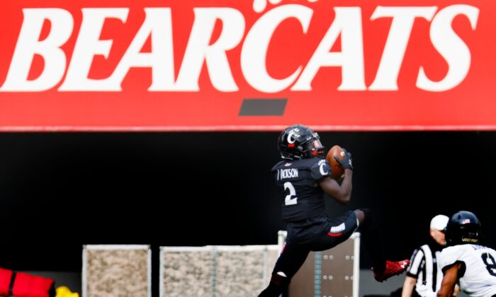 Jayshon Jackson #2 of the Cincinnati Bearcats makes a catch during the first half against the Army Black Knights at Nippert Stadium in Cincinnati, Ohio, on Sept. 26, 2020. (Michael Hickey/Getty Images)