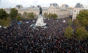 French Premier Joins Nationwide Tributes to Beheaded Teacher