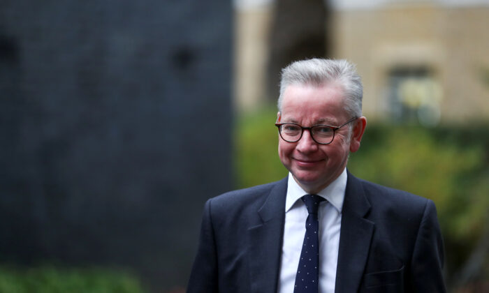 Minister for the Cabinet Office Michael Gove arrives for a Cabinet meeting, in London on Oct. 13, 2020. (Reuters/Simon Dawson)