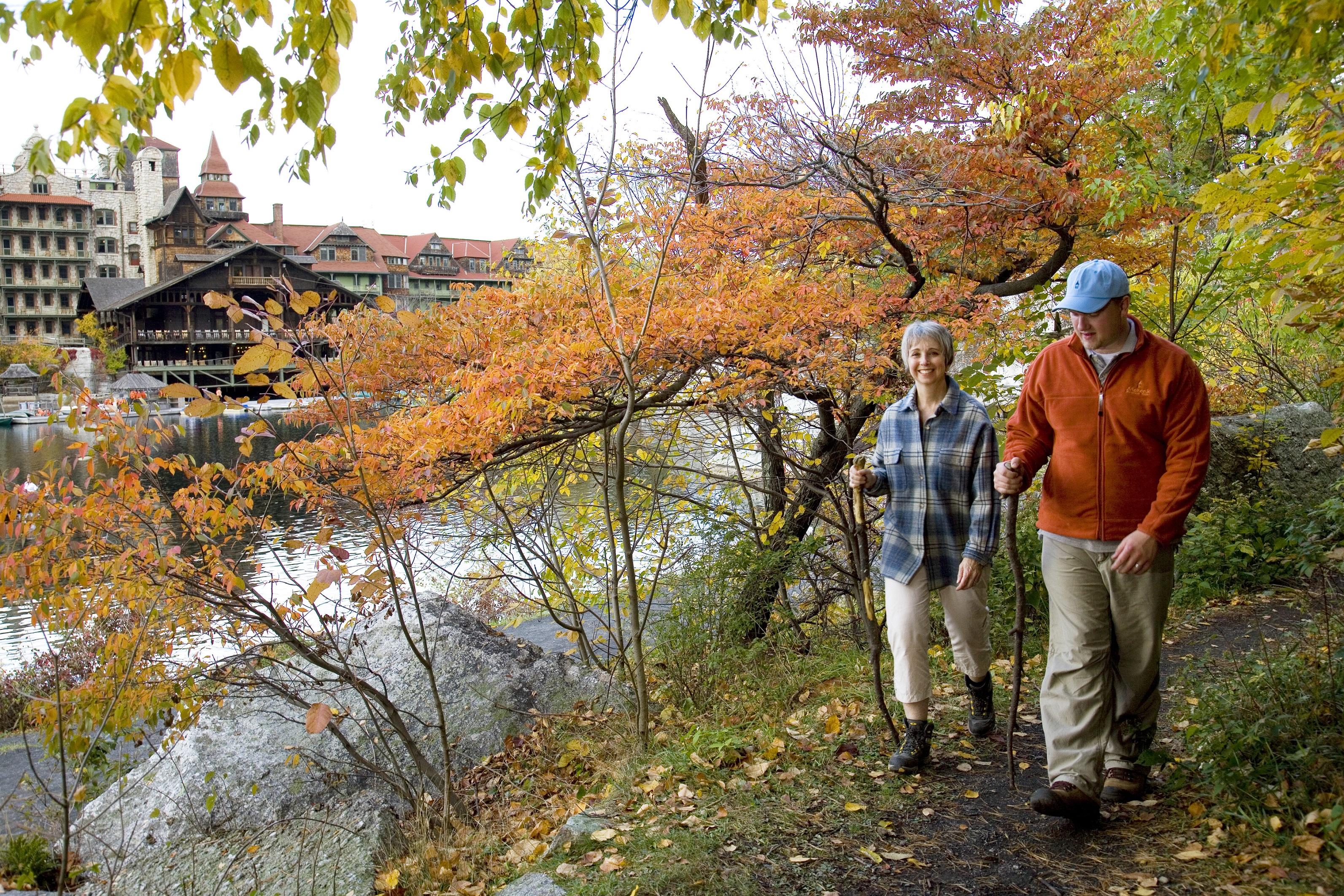 Mohonk_Fall-Foliage-Hiking