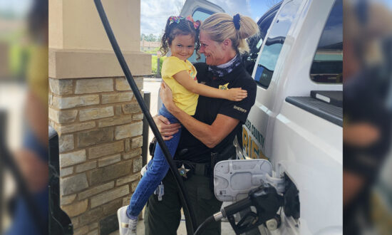 Sheriff's Deputy Reunites With Little Girl She Saved With CPR 3 Years Ago: 'Why I Do the Job I Do'