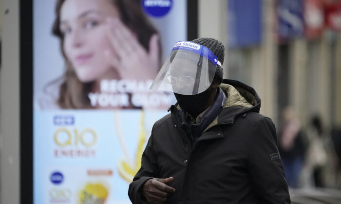 A man is seen wearing a face mask amid the CCP virus pandemic in Sheffield, England, on Oct. 22, 2020. (Christopher Furlong/Getty Images)