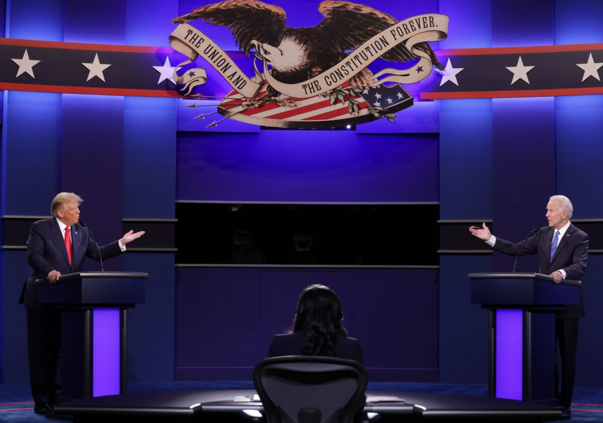 US President Donald Trump (L), Democratic presidential candidate former US Vice President Joe Biden and moderator, NBC News anchor, Kristen Welker (C) participate in the final presidential debate at Belmont University in Nashville, Tennessee, on Oct. 22, 2020. (Chip Somodevilla / POOL / AFP)