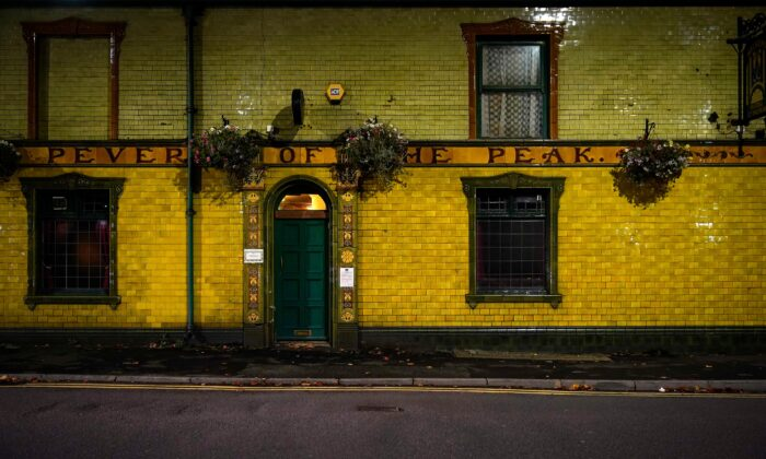 Manchester's Peveril of the Peak pub, closed as the eve of new Tier 3 CCP virus restrictions in Manchester, England, on Oct. 22, 2020.  (Christopher Furlong/Getty Images)