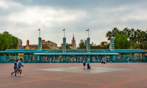 Disney Plans Reopening of Buena Vista Street Businesses in Anaheim